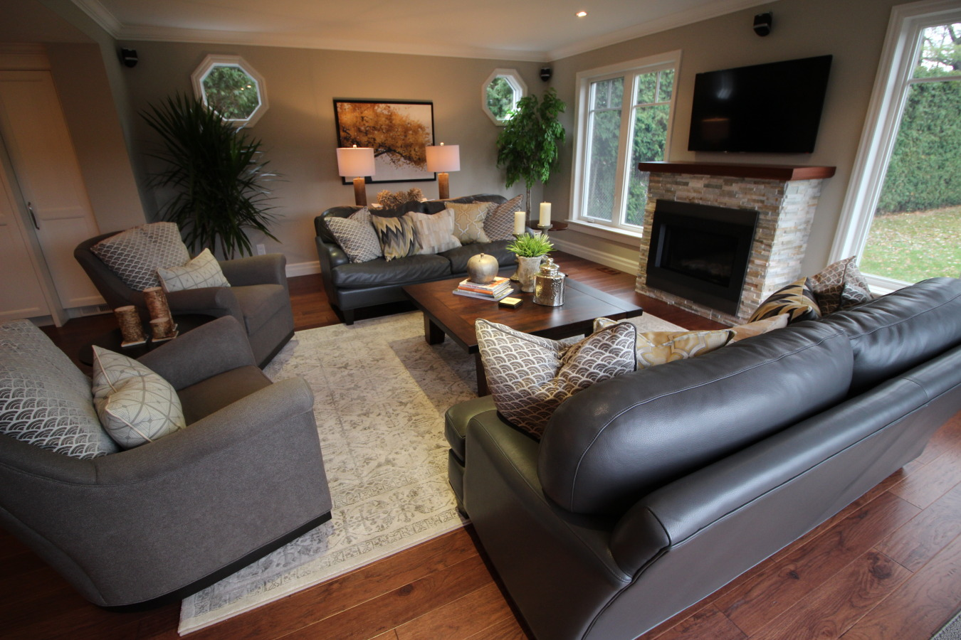 The Expert Touch WHY HIRE AN INTERIOR DECORATOR The