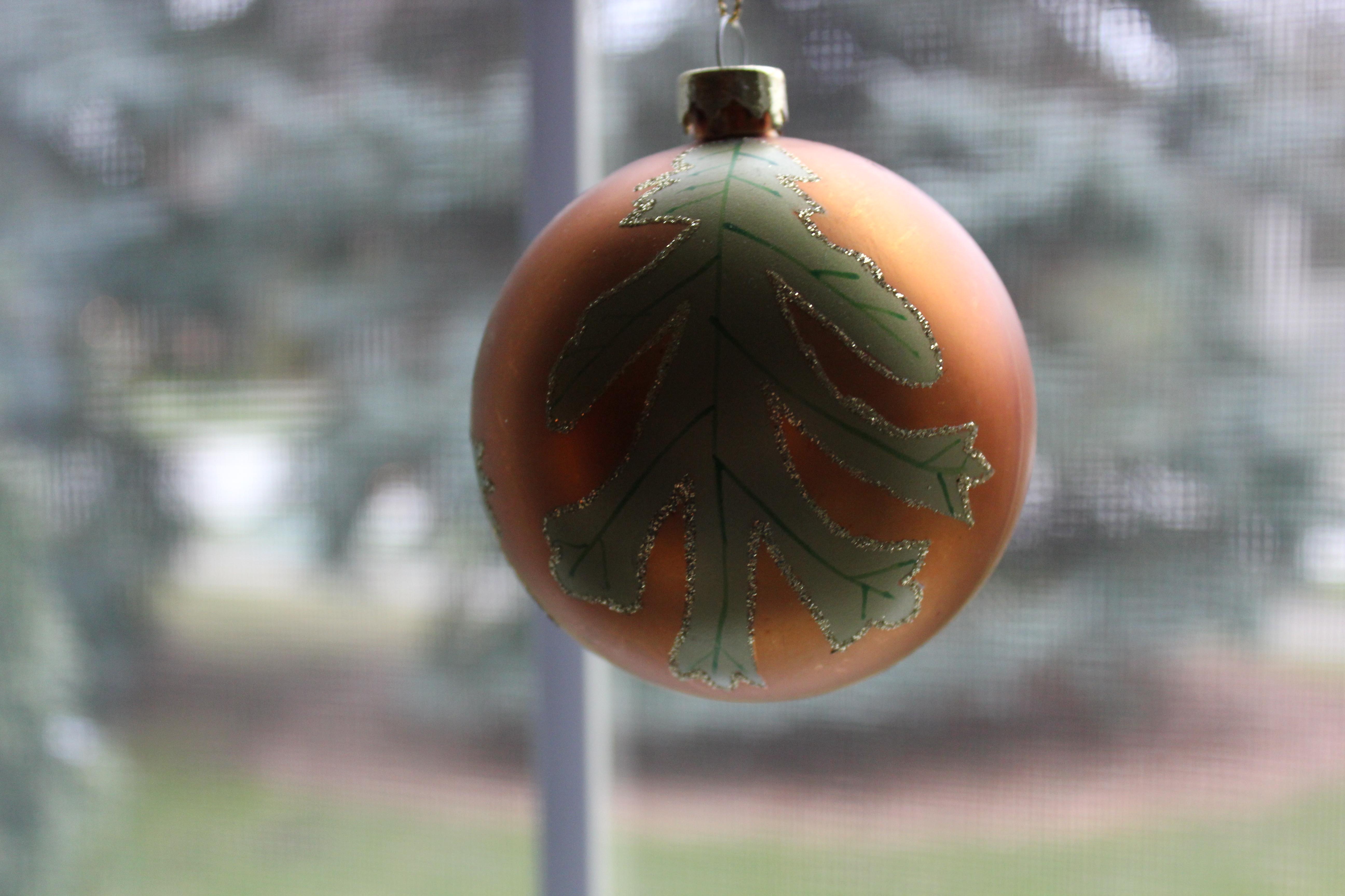 EASY BUT UNIQUE CHRISTMAS DECORATING IDEAS